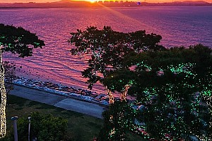 해어름 풍경 해변의 아름다운 카페